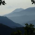 vue des montagnes catalanes depuis le site du futur Parcabout